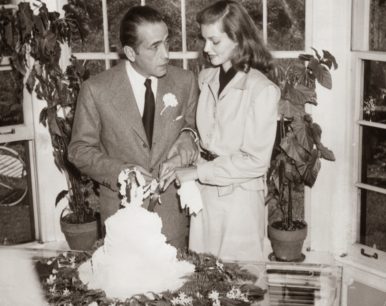 Lauren Bacall and Humphrey Bogart Wedding - Affordable 1940s Wedding Dresses