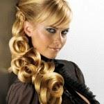Long-Blonde-Ponytail-Hairstyle