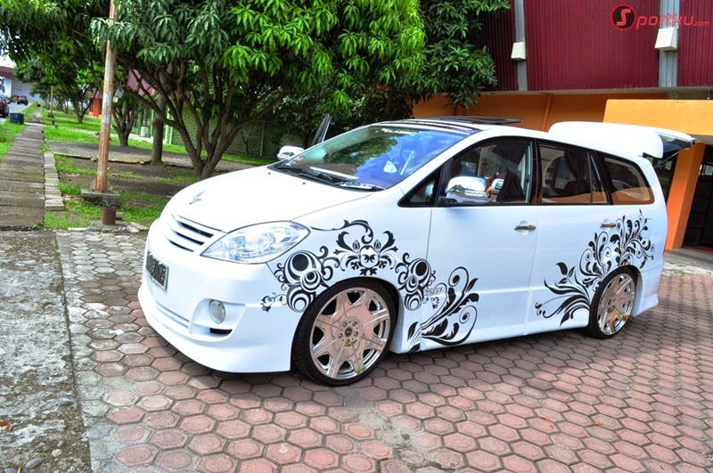 Modifikasi Mobil Toyota Kijang Innova