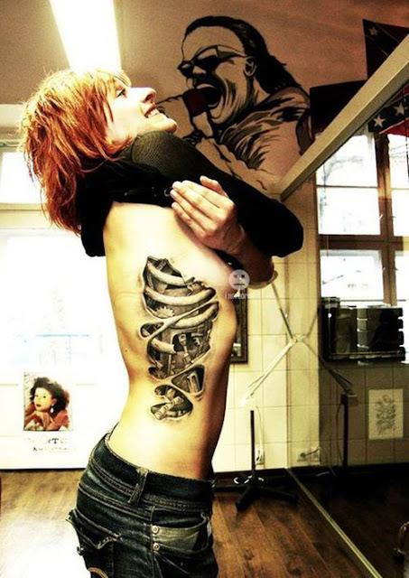Tatuaje 3D Humanoide
