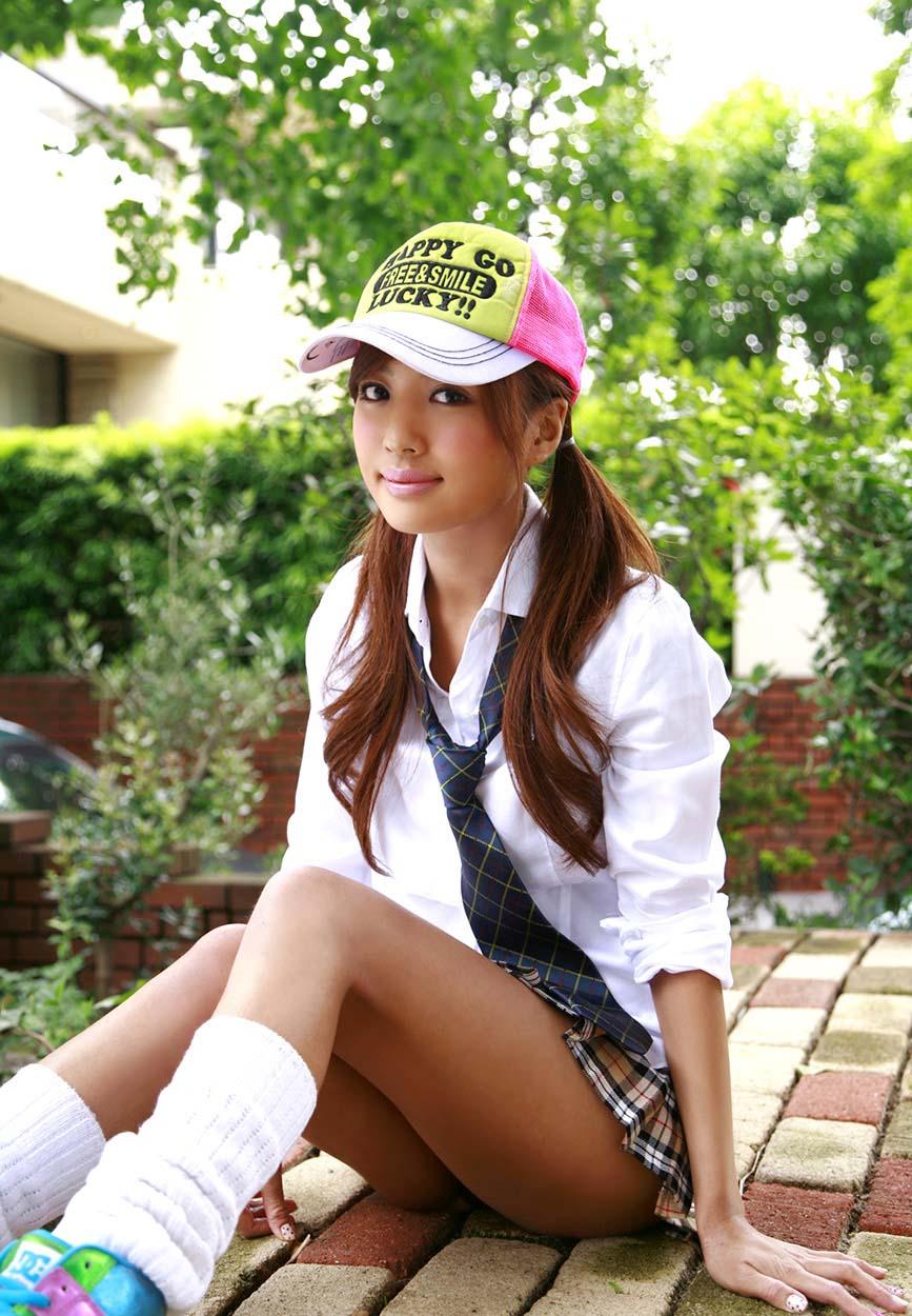 kana tsugihara sexy schoolgirl cosplay photo 05