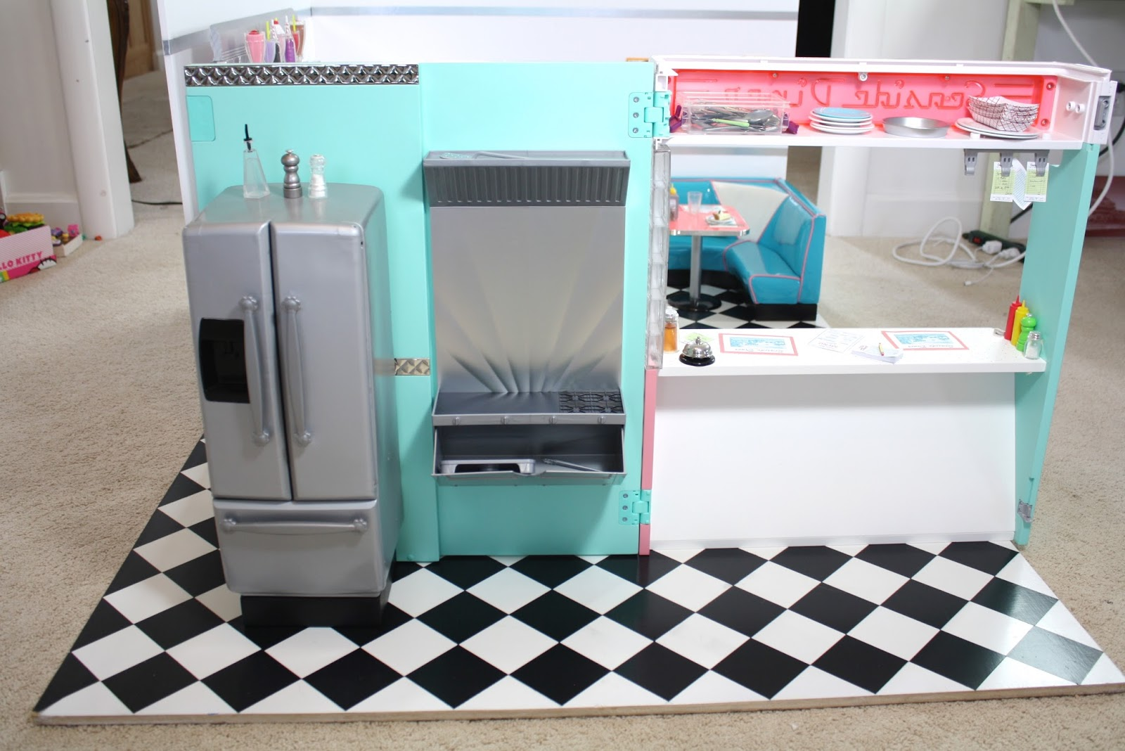 pippaloo for dolls: A 1950\'s DINER MASH UP