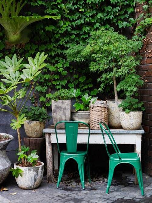 exterior tolix verdes plantas