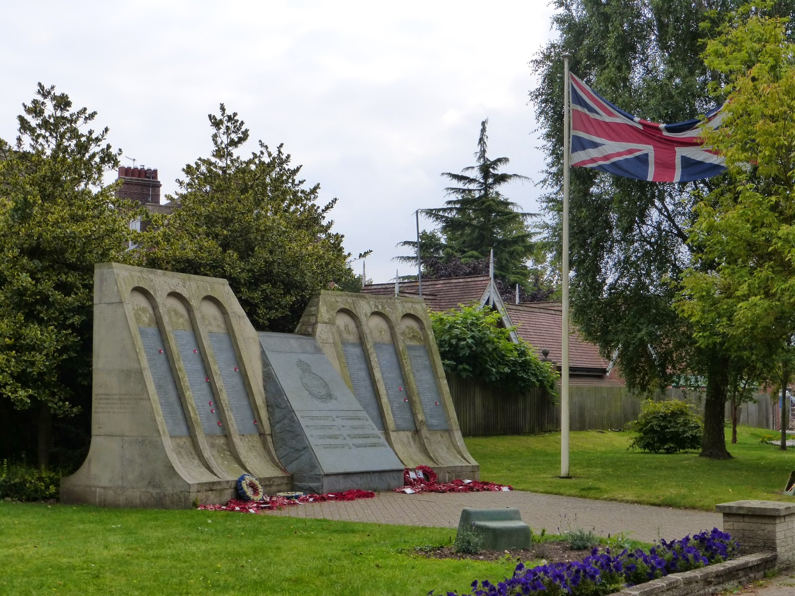 dambusters memorial woodhall spa