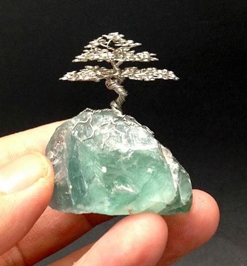 20-Ken-To-aka-KenToArt-Miniature-Wire-Bonsai-Tree-Sculptures-www-designstack-co