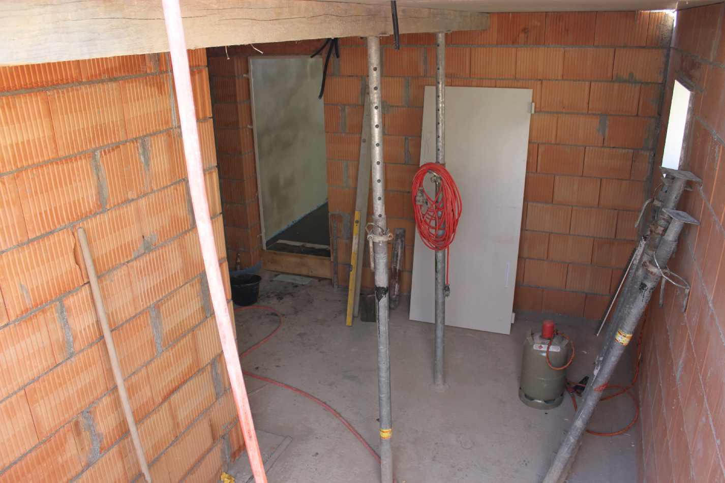 Hausbau mit Rensch: Tag 30 und der Keller ist fast fertig....