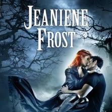 Chasseuse de la nuit, tome 6 : D'outre tombe de Jeaniene Frost
