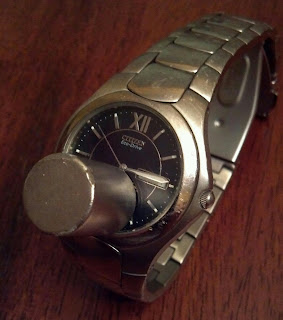 movement of a citizen watch stopped using a magnet