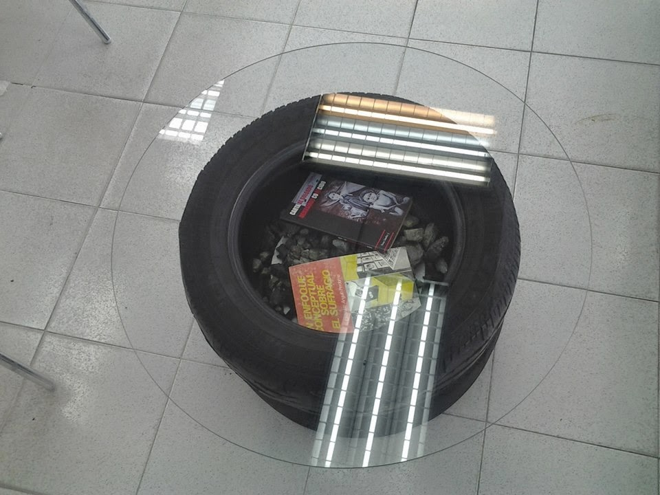 Libreria con Muebles Reciclados, Ideas Ecoresponsables para la Decoracion de Espacios Publicos