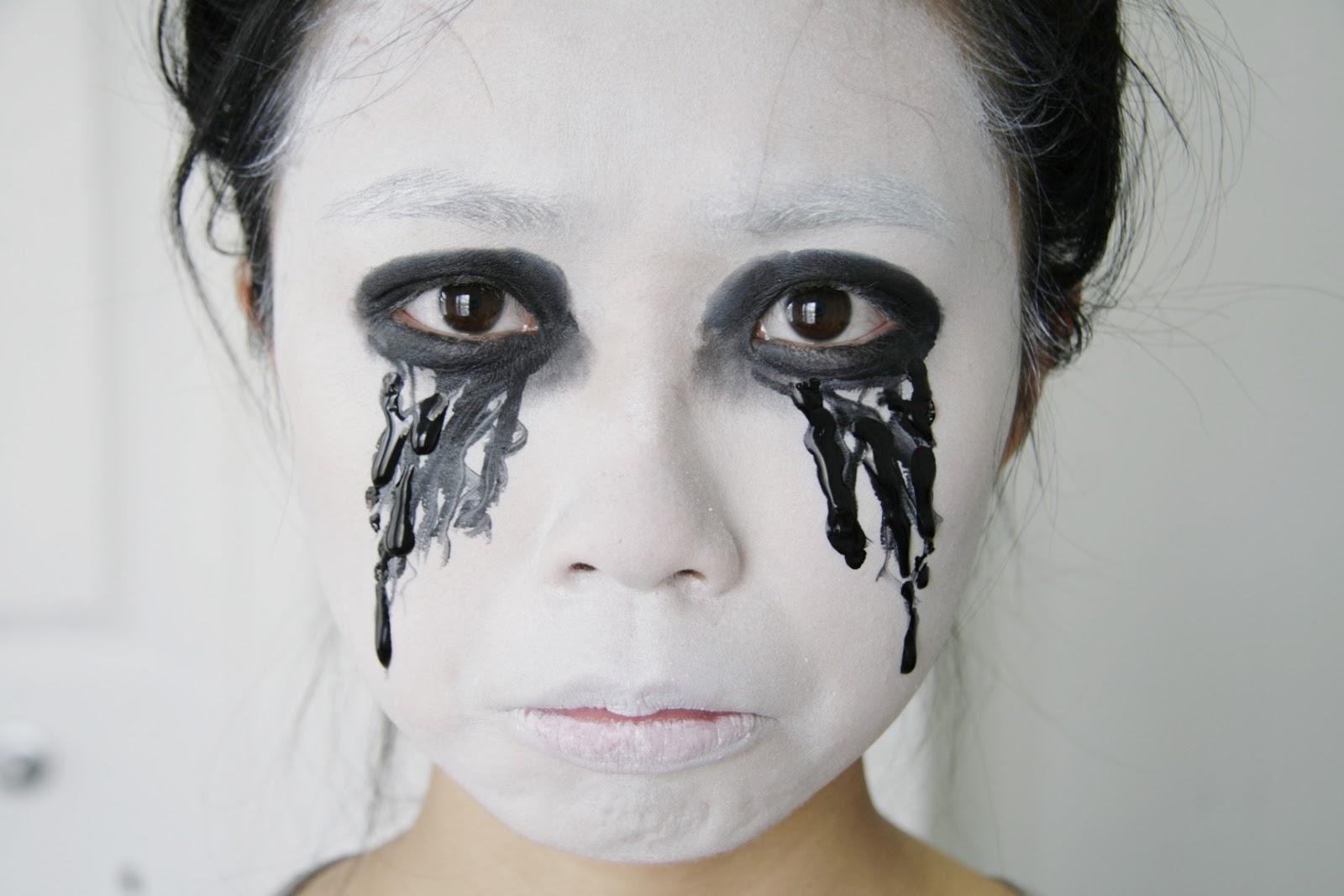 fun size beauty: #HALLOWEEN  American Horror Story Asylum - White Halloween Makeup