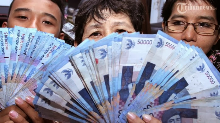 Rupiah Masuk 10 Besar Mata Uang Sampah di Dunia