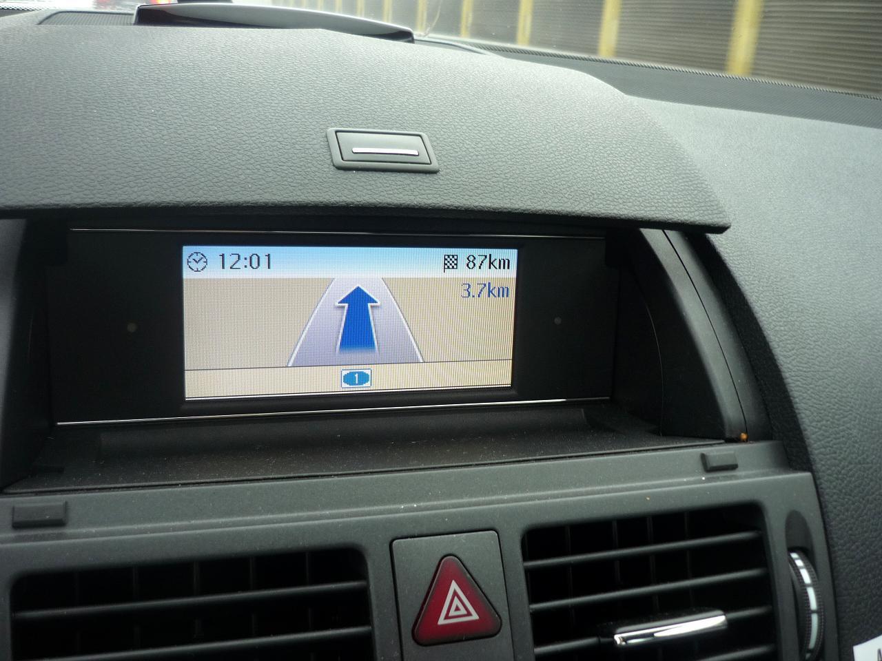 Guitigefilmpjes car review mercedes benz c180 avantgarde for Mercedes benz navigation system update