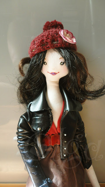 muñeca-tilda-cabeza-modificada-y-cazadora-de-cuero-tilda-doll-new-head-leather-jacket