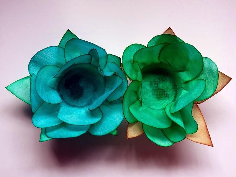 Forminhas de flor feitas com tecido especial