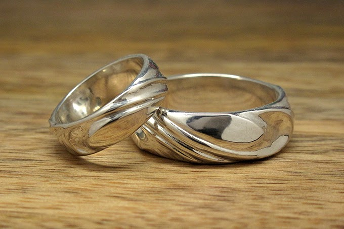 Custom made wedding bands by Harlequin&Lionhead. Design your own with Harlequin&Lionhead today.