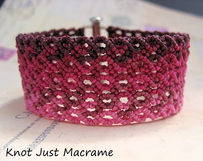 Micromacrame knotting with ombre shading in fuchsia Vivacious