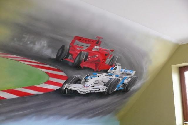 Malowanie obrazu na ścianie w pokoju młodzieżowym, aranżacja poddasza, realistyczny obraz ścienny 3D