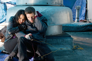 Man-on-a-Ledge-Sam-Worthington_Genesis-Rodriguez