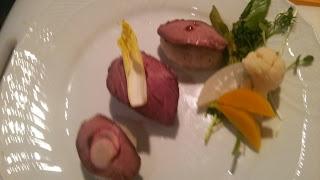 白金に出張料理:ローストビーフの棒寿司