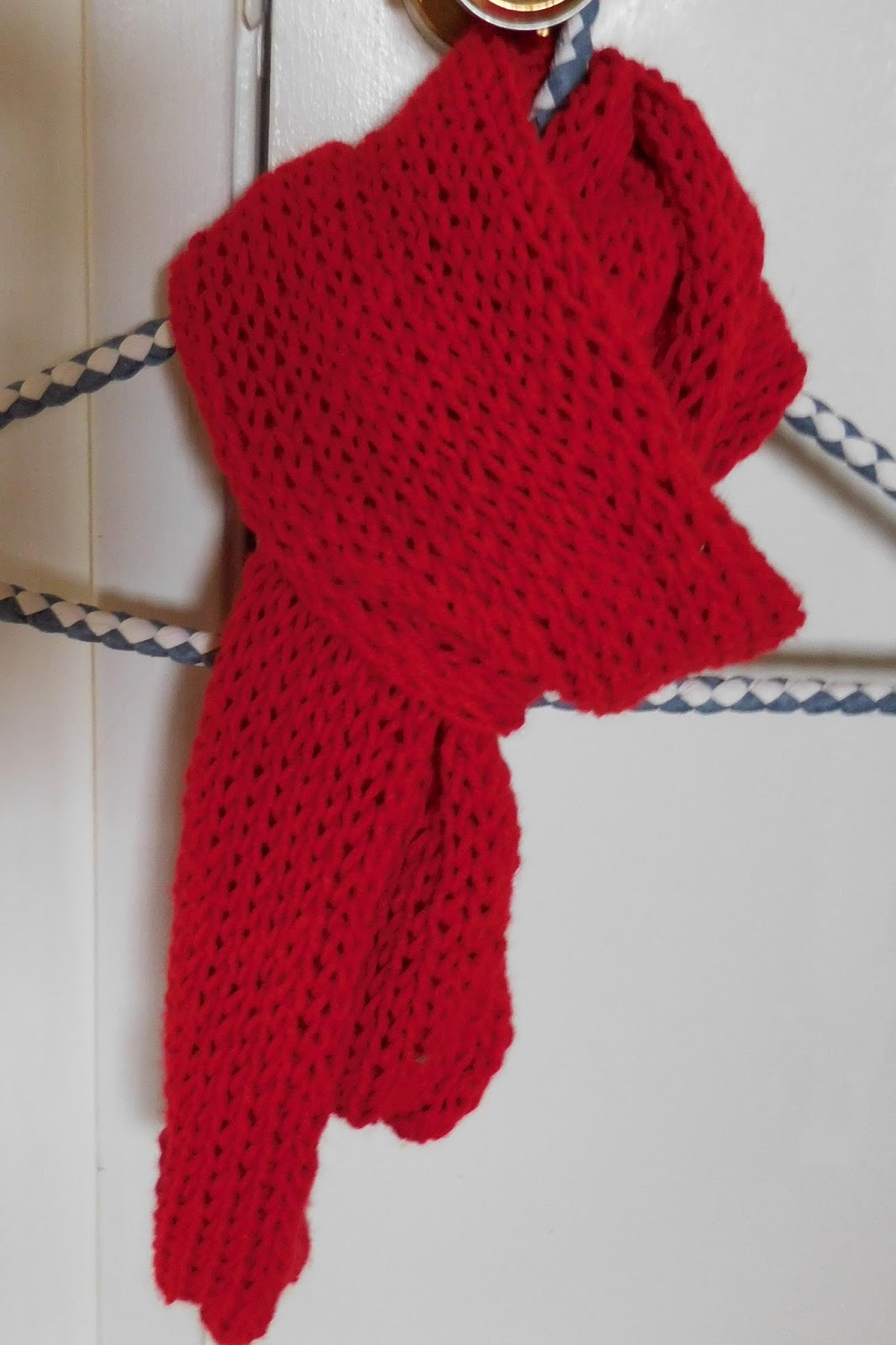 Needles to say...: red scarf pattern for AIDS Awareness Week campaign...