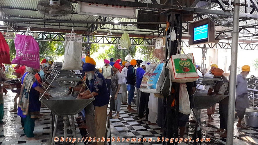 kar seva in golden temple