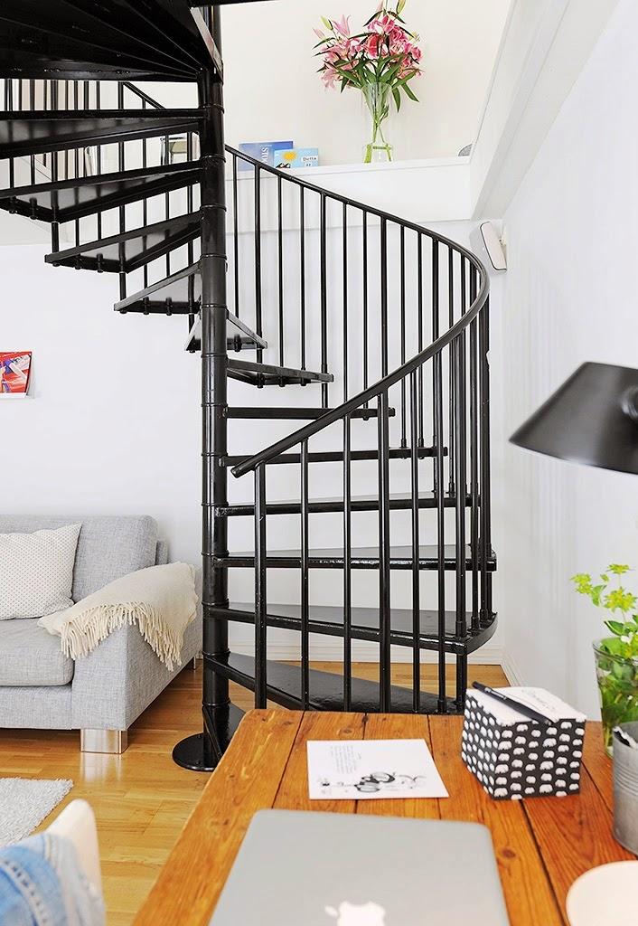 model tangga rumah minimalis besi