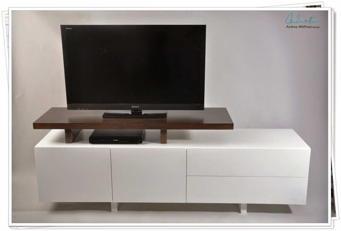 Amoblamientos y productos andrea w ffman mueble para tv for Muebles de diseno cordoba capital