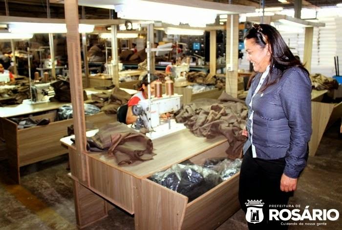 Ros rio em foco prefeita irlahi visita f brica de for Fabrica de sillones rosario