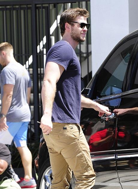 VJBrendan.com: Darren Criss Heading to the Gym in LA