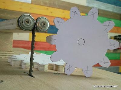 Cómo hacer engranajes de madera de contrachapado. www.enredandonogaraxe.com