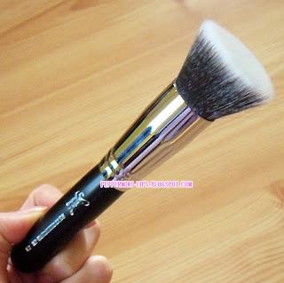 Winner of Sigma F80 Kabuki Brush Giveaway !!