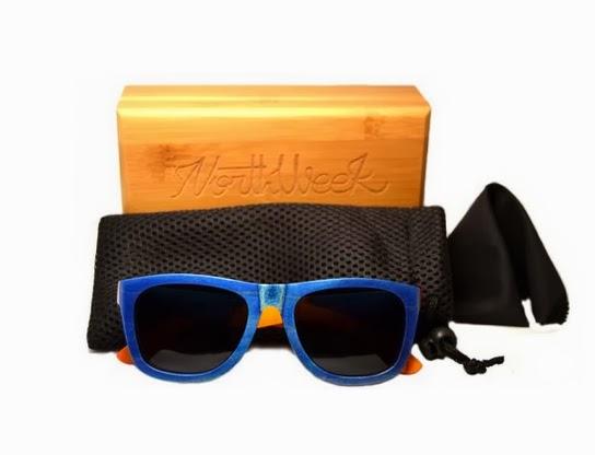 Gafas de sol de madera color azul