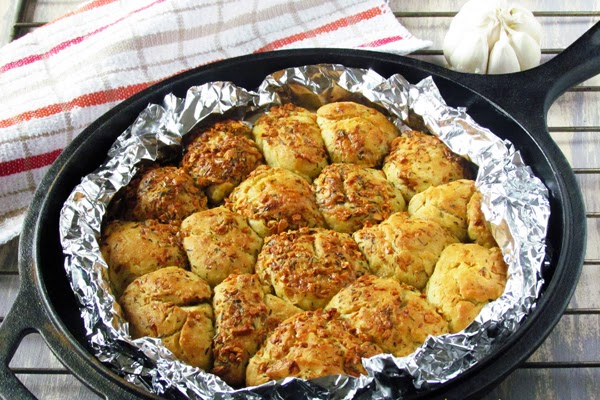 Easy Garlic n Thyme Pull Apart Bread with NO cheese