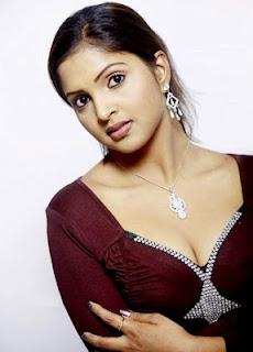 Actress Sanchita Padukone Hot Cleavage Show Photos, Images