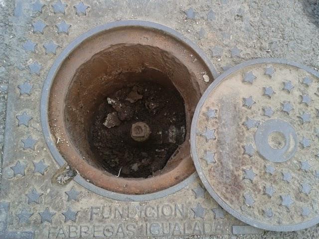 Llave de paso de agua de la calle medidas de cajones de for Llave paso agua