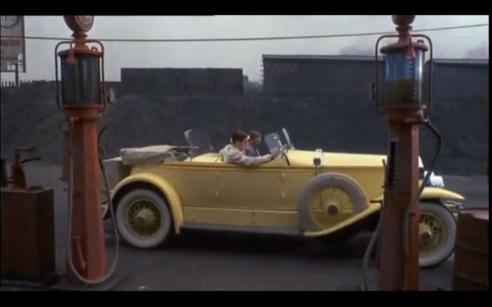 great gatsby cars essay (a major theme in the great gatsby is the pursuit of what can be termed the american dream great gatsby essay: drive fancy cars.