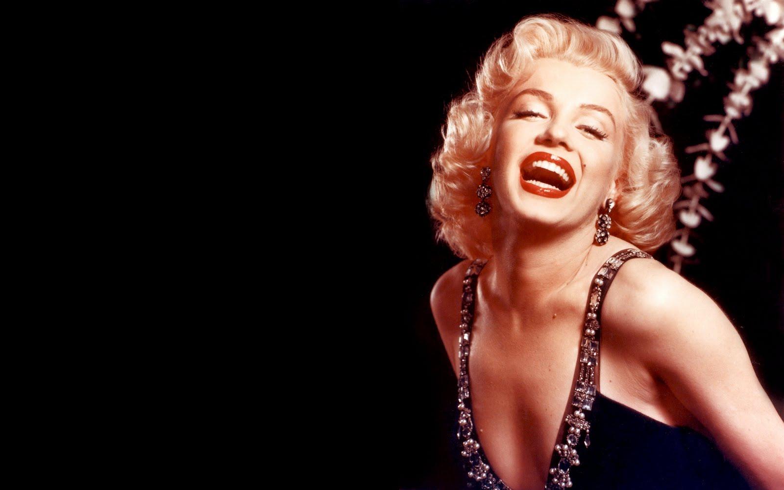 http://4.bp.blogspot.com/-cbHlcGu3_PU/TgS1J6XjzUI/AAAAAAAACN4/XlFIzZgqZrI/s1600/Marilyn%2BMonroe%2BWallpaper.jpg