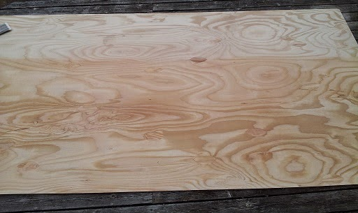 I Used The Entire Can 4 Layers Of Polyurethane On My 4x8 Plywood Sheet This Is Half Brushed With Bottom
