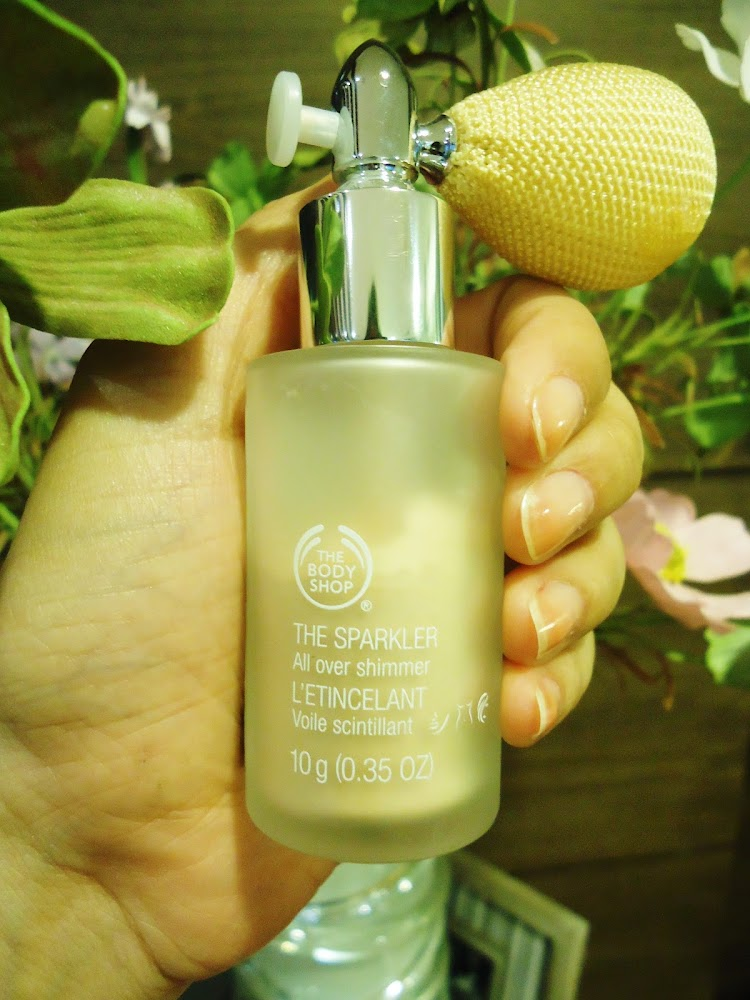"The Body Shop ""The Sparkler"" in Enchanting Gold"