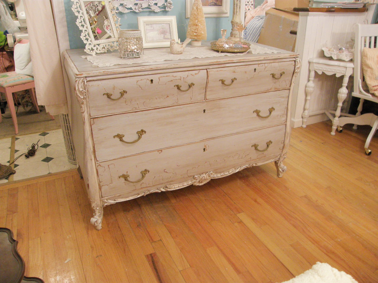 Top 28 How To Shabby Chic Furniture With White Paint Painted Furniture Shabby Chic Style