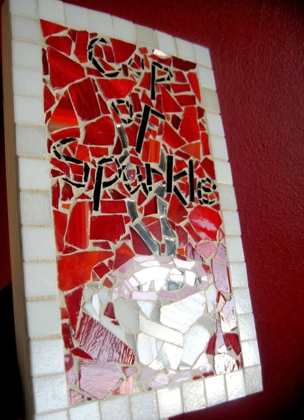http://acupofsparkle.blogspot.com/2011/10/how-to-make-mosaic-artwork-with-glass.html