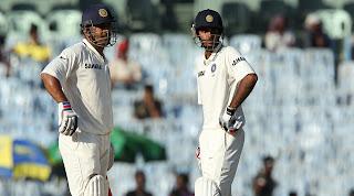 MS-Dhoni-Bhuvneshwar-Kumar-IND-vs-AUS-1st-Test