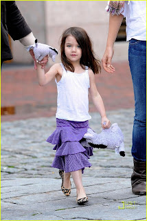 Suri Cruise in white shirt