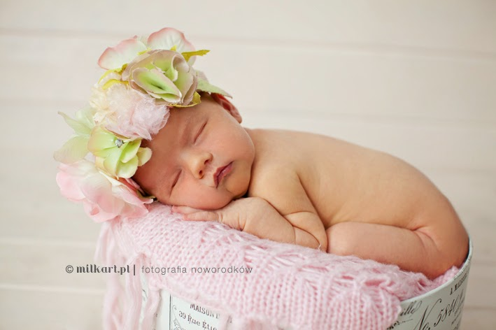 zdjęcia noworodków, sesja zdjęciowa niemowlaka, fotograf niemowlęcy, sesje na prezent