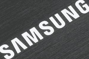 Hanya Ada Dua Aplikasi Bawaan Samsung pada Galaxy S6