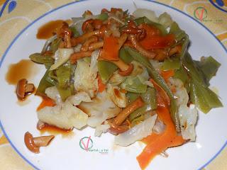 Verduras al vapor salteadas con setas.