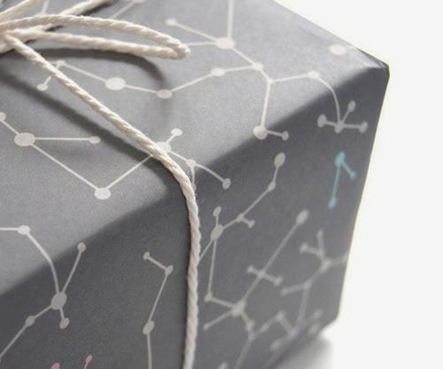 cordão no pacote de presente