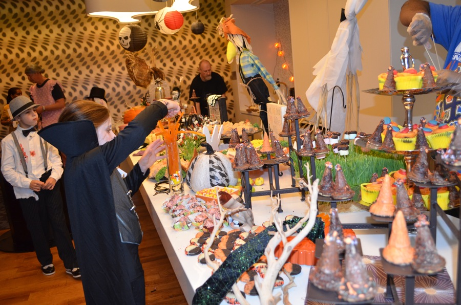 cuisinetc a culinary journey via catering spooky nyc halloween party and grub. Black Bedroom Furniture Sets. Home Design Ideas