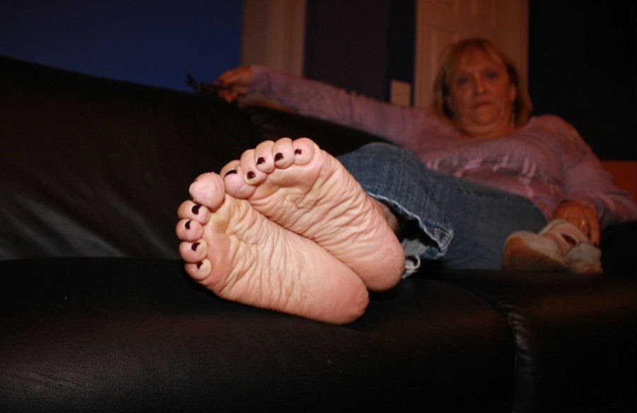 Ladies With Pretty Feet