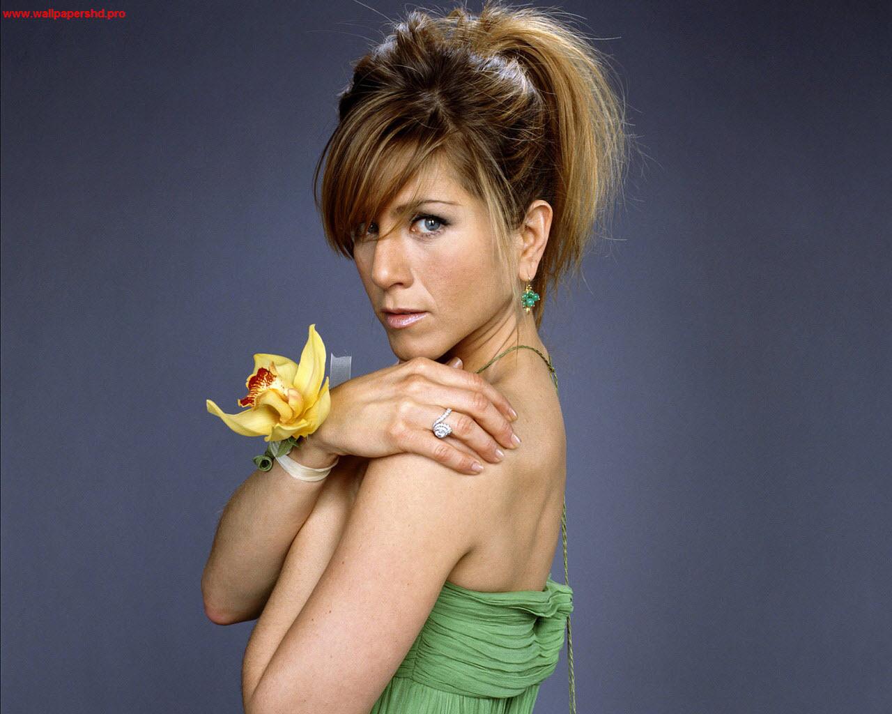 http://4.bp.blogspot.com/-cd0w5qWRYtQ/UKkgEBVA02I/AAAAAAAASco/yhESt1uzUss/s1600/Jennifer+Aniston+(1).jpg